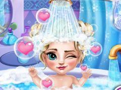 Baby Elsa Bath