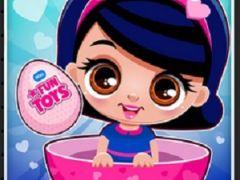 Cute Dolls Open Eggs